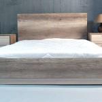 Κρεβάτι διπλό μαζί με κομοδίνα